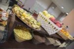 Frutta fresca buffet sala colazioni hotel